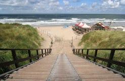 лестницы пляжа к Стоковое Изображение