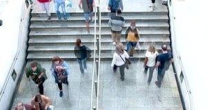 Лестницы станции, промежуток времени 4k акции видеоматериалы