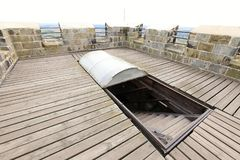 Лестницы с moving крышей на верхней части башни Стоковые Изображения RF