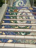 Лестницы улицы Moraga крыть черепицей-мозаики, Сан-Франциско, 10 Стоковые Фотографии RF