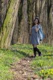 Лес девушки весной Стоковые Фотографии RF