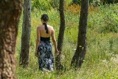 Лес девушки Стоковое Фото