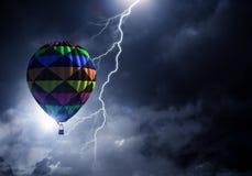 Летание аэростата над облаками Стоковое Фото