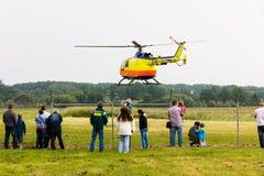 Летание военновоздушной силы тяпки воздуха выставки вертолета мухы Стоковые Изображения