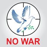 Летание голубя с зеленой хворостиной Стоковое Изображение