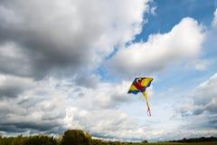 Летание змея в воздухе Стоковое Фото