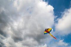 Летание змея в воздухе Стоковые Изображения