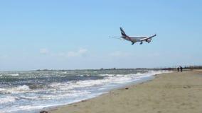 летание пляжа воздушных судн сверх Прибытие самолета Hijacked авиационная катастрофа террорисм видеоматериал
