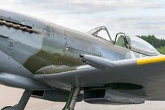Летание самолета mk XVI spitfire авиасалона Стоковое Изображение