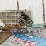 Летать в его bycicle Стоковая Фотография RF
