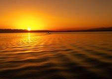 Летнее время на озере горы стоковое изображение