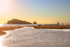 Летнее время Побережье Gargano: Пляж Portonuovo, Vieste- (Apulia) ИТАЛИЯ Стоковая Фотография