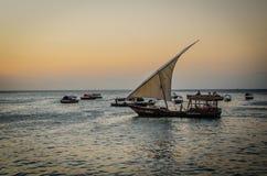Летние каникулы Занзибара изображают воодушевлять на праздник на острове стоковое изображение