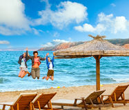 Летние отпуска Familys на море Стоковые Изображения RF