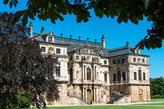 Летний дворец и фонтан в большом Garten в Дрездене стоковые изображения rf