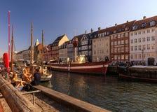Летний день в Nyhavn, Копенгагене, Дании - августе 2016 Стоковая Фотография