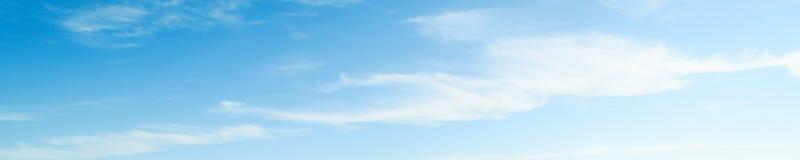 Летний день атмосферы красоты неба ясный стоковое изображение rf