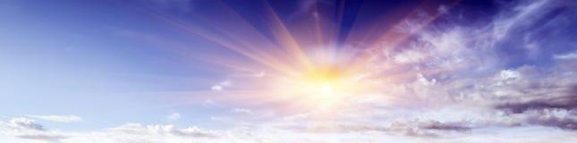 Летний день атмосферы красоты неба ясный стоковая фотография rf