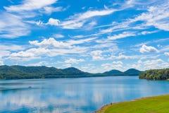 Летний день на озере Стоковые Фото