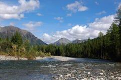 Летний день на реке горы Стоковое фото RF
