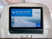 Летный экран развлечений, летный экран, экран Seatback в самолете стоковые изображения rf