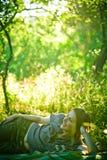 лето девушки счастливое Стоковые Изображения RF