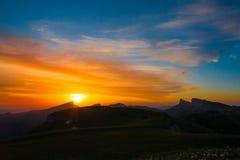 Лето захода солнца горы Стоковое фото RF