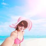 Лето и счастливая девушка бикини Стоковая Фотография
