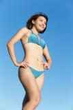 Лето и счастливая девушка бикини Стоковое Изображение RF