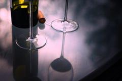 Лето 2 партии вина вино бутылочного стекла Стоковое Изображение RF