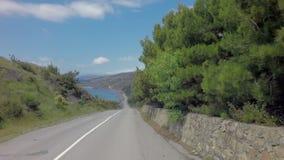 Лето Autotravel к югу от Крыма Красивый ландшафт горы около Чёрного моря видеоматериал