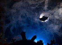 Летучие мыши на фоне луны, хеллоуина Стоковые Фотографии RF