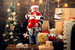 леты чулков украшения рождества новые Смешной santa желает веселое рождество и счастливый Новый Год праздник подарков Рожденствен стоковое изображение