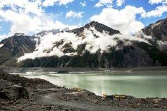 Ледниковое озеро Tasman в Новой Зеландии Стоковое фото RF