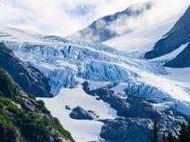 Ледник высокий в долине горы Стоковые Изображения