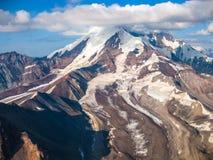 Ледник в Wrangell - национальном парке St Ильи, Аляске, увиденной от воздуха Стоковое фото RF