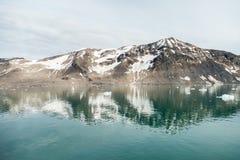 Ледник гор в арктике Стоковые Изображения RF
