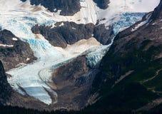 Ледник подметая вниз с долины горы Стоковые Изображения
