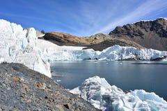 Ледник Pastoruri, внутри национального парка n ¡ HuascarÃ, Перу Стоковая Фотография RF