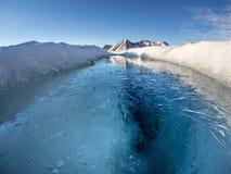 Ледовитый ландшафт ледникового озера - Свальбард, Шпицберген Стоковое Изображение RF