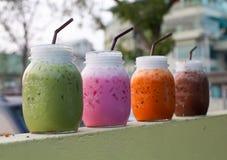 Лед питья на кофейне Стоковая Фотография RF