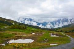 Лед покрыл гору и узкую майну Стоковые Фото