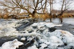 Лед реки Река в зиме Стоковая Фотография RF