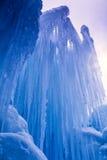 Лед рокирует сосульки и образования льда Стоковая Фотография RF