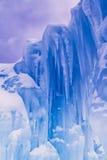 Лед рокирует сосульки и образования льда Стоковое фото RF