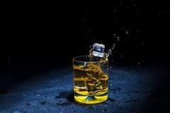 Лед с жидкостный брызгать Стоковое Фото