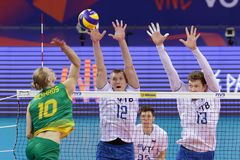 Лига Австралия наций волейбола FIVB против России Стоковые Изображения