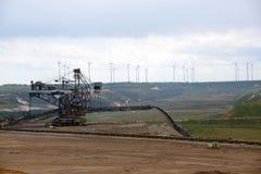 Лигнит открытой разработки Garzweiler, Германия, состязательное производство энергии против охраны окружающей среды стоковые фотографии rf