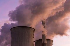 Лигнит-увольнятьая электростанция Neurath, NRW, Германия стоковая фотография rf