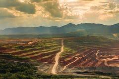 Лигнит угольной шахты для lampang Таиланда производства электроэнергии стоковые изображения
